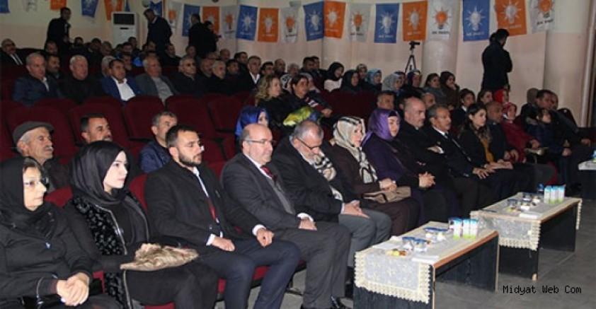 Midyat  ilçe Ak Parti Kadın Kolları Başkanlığına Elif Urazin atandı.